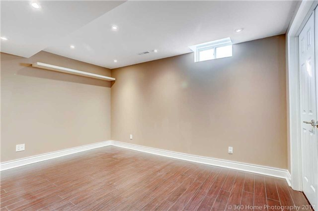 Townhouse at 7 Macgregor Ave, Richmond Hill, Ontario. Image 5