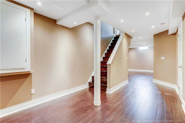 Townhouse at 7 Macgregor Ave, Richmond Hill, Ontario. Image 6