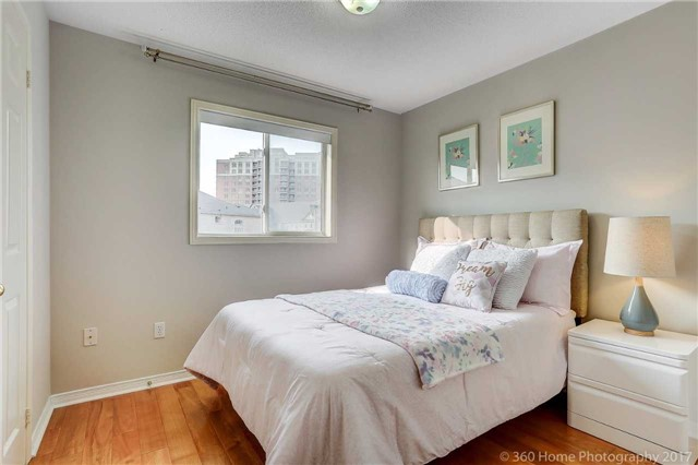 Townhouse at 7 Macgregor Ave, Richmond Hill, Ontario. Image 7