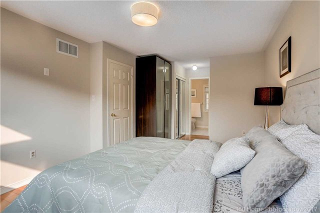 Townhouse at 7 Macgregor Ave, Richmond Hill, Ontario. Image 9