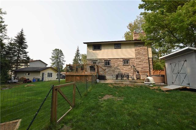 Detached at 17 Waterfront Dr, Georgina, Ontario. Image 8
