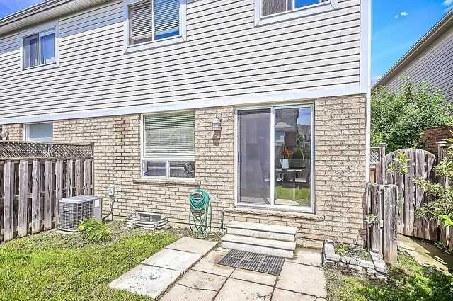 Semi-detached at 37 Hirst Ave, Georgina, Ontario. Image 9