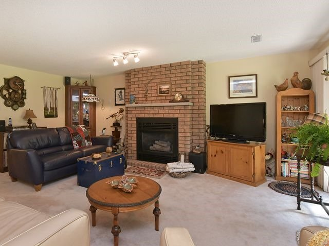 Condo Detached at 150 Riverview Rd, New Tecumseth, Ontario. Image 6