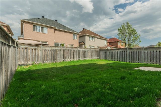 Detached at 10 Majestic Dr, Markham, Ontario. Image 14
