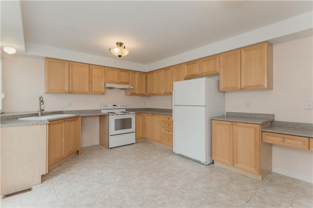 Detached at 10 Majestic Dr, Markham, Ontario. Image 19