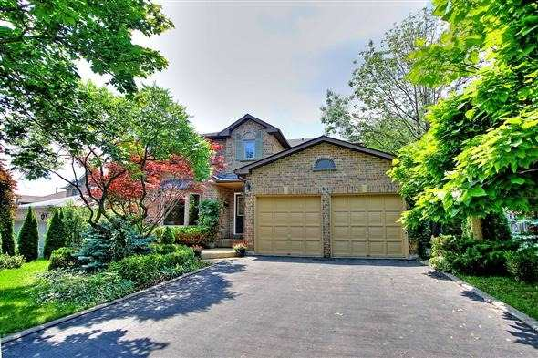 Detached at 70 Topham Cres, Richmond Hill, Ontario. Image 1