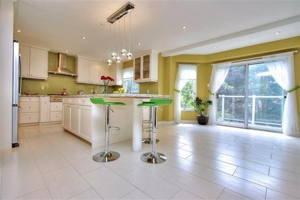 Detached at 70 Topham Cres, Richmond Hill, Ontario. Image 15