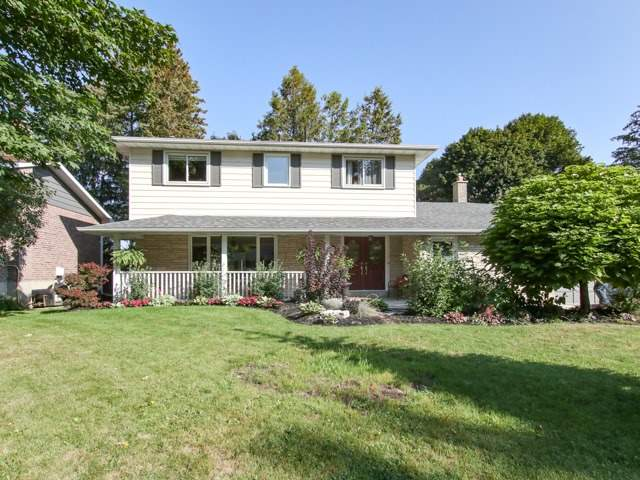 Detached at 12 Hawthorne Lane, Aurora, Ontario. Image 1