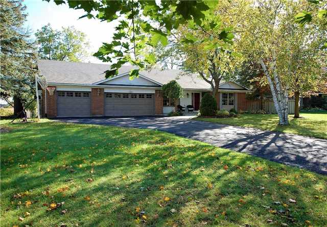 Detached at 22 Grant Crt, East Gwillimbury, Ontario. Image 1