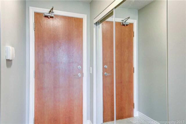Condo Apartment at 50 Disera Dr, Unit 1209, Vaughan, Ontario. Image 13
