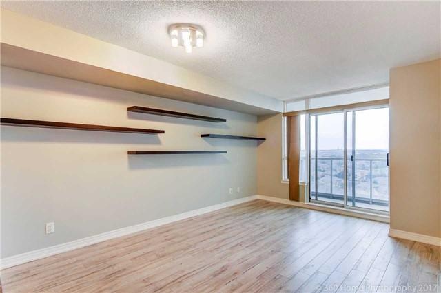 Condo Apartment at 50 Disera Dr, Unit 1209, Vaughan, Ontario. Image 18