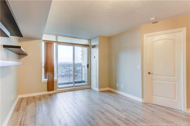 Condo Apartment at 50 Disera Dr, Unit 1209, Vaughan, Ontario. Image 19