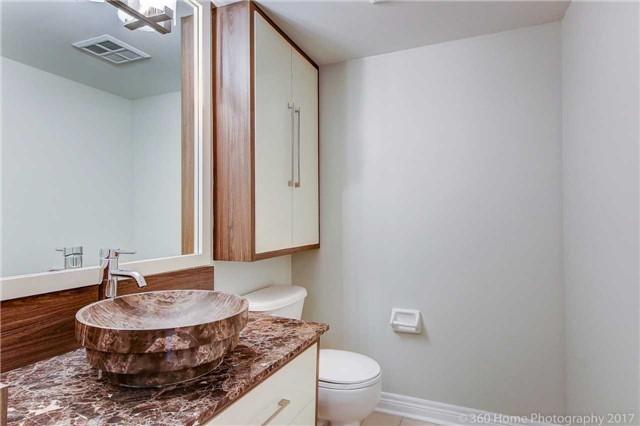 Condo Apartment at 50 Disera Dr, Unit 1209, Vaughan, Ontario. Image 7