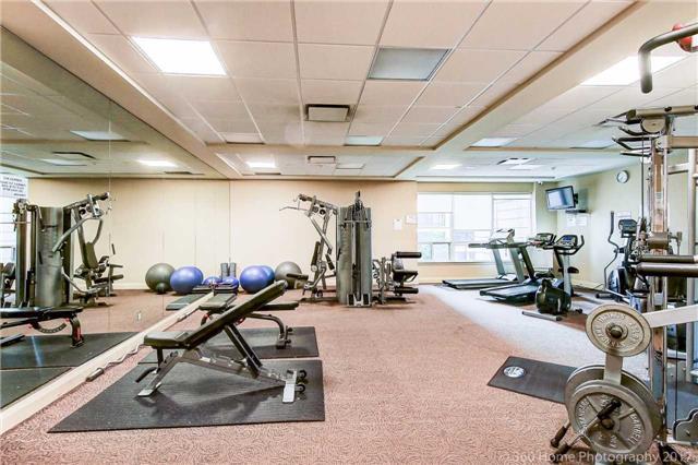 Condo Apartment at 50 Disera Dr, Unit 1209, Vaughan, Ontario. Image 9