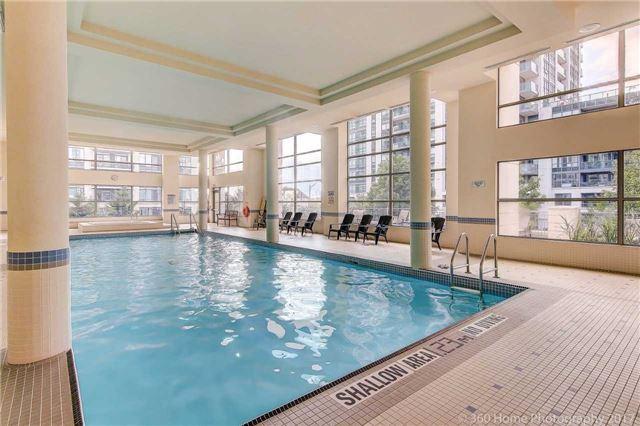 Condo Apartment at 50 Disera Dr, Unit 1209, Vaughan, Ontario. Image 11