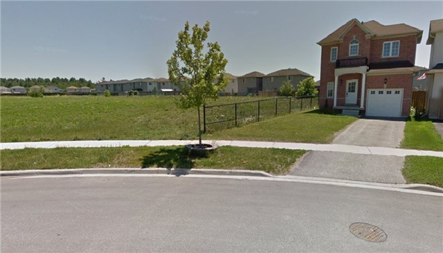 Detached at 53 Sasco Way, Essa, Ontario. Image 11