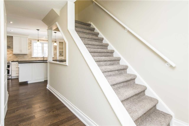 Detached at 185 Stegman Rd, East Gwillimbury, Ontario. Image 3
