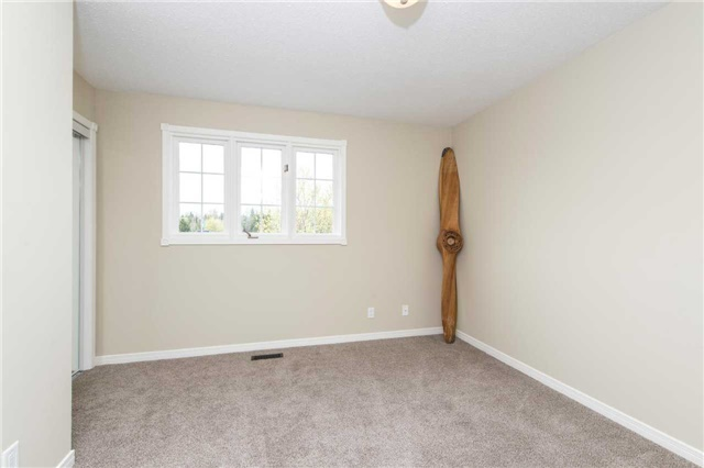 Detached at 185 Stegman Rd, East Gwillimbury, Ontario. Image 7