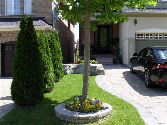 Detached at 519 Thornhill Woods Dr, Vaughan, Ontario. Image 14
