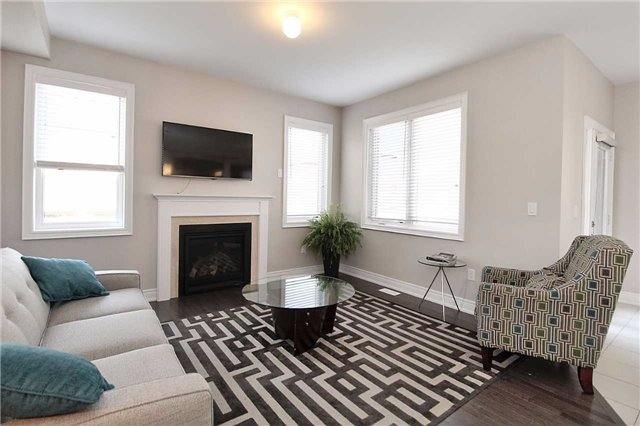 Semi-detached at 602 Sweetwater Cres, Newmarket, Ontario. Image 20
