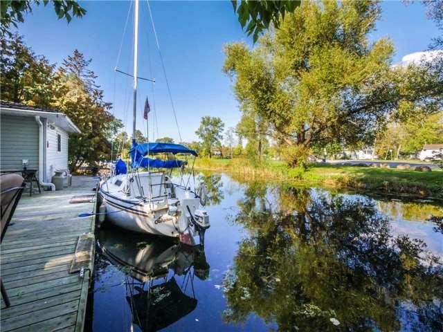Detached at 17 Robert St, Georgina, Ontario. Image 9