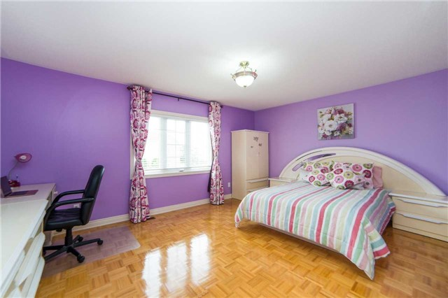 Detached at 1 Sheshi Dr, Vaughan, Ontario. Image 3
