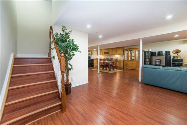 Detached at 1 Sheshi Dr, Vaughan, Ontario. Image 7
