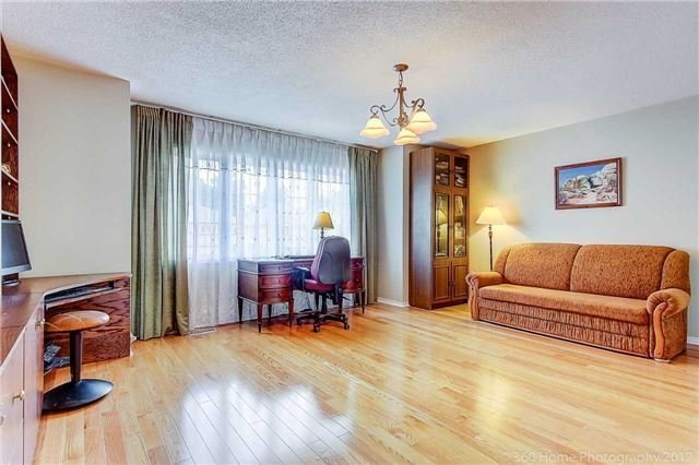 Detached at 100 Owl Ridge Dr, Richmond Hill, Ontario. Image 8