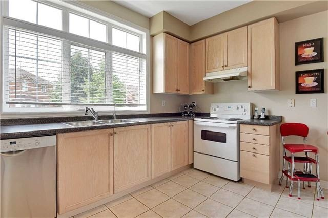 Detached at 22 Plover Hts, Vaughan, Ontario. Image 18
