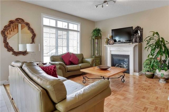 Detached at 22 Plover Hts, Vaughan, Ontario. Image 2