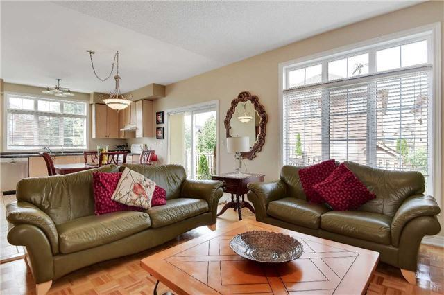 Detached at 22 Plover Hts, Vaughan, Ontario. Image 3