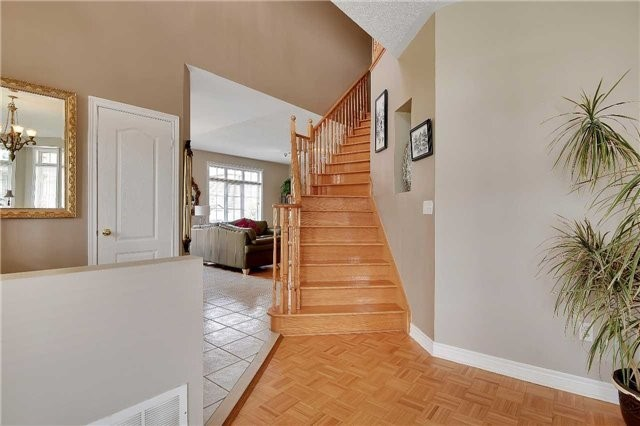 Detached at 22 Plover Hts, Vaughan, Ontario. Image 4