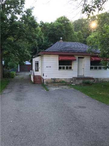 Detached at 8238 Islington Ave, Vaughan, Ontario. Image 1