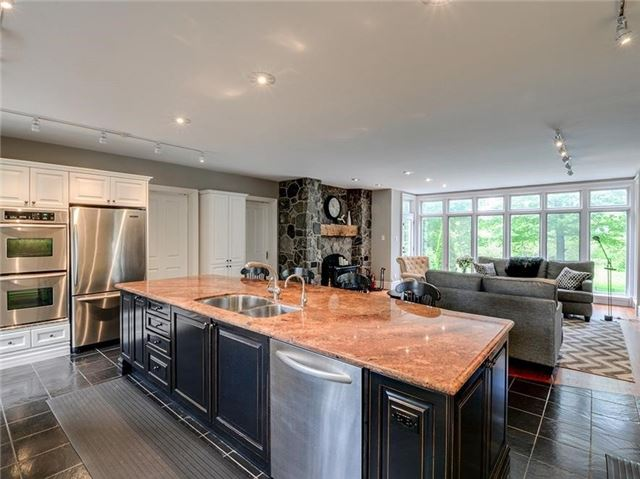 Detached at 4560 Elgin Mills Rd E, Markham, Ontario. Image 20