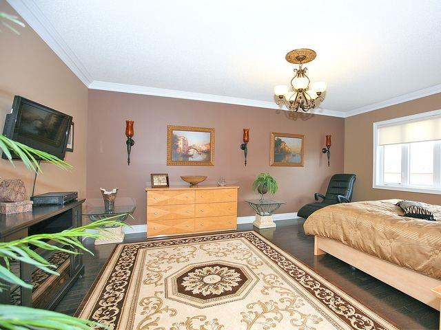 Detached at 80 Puccini Dr, Richmond Hill, Ontario. Image 2