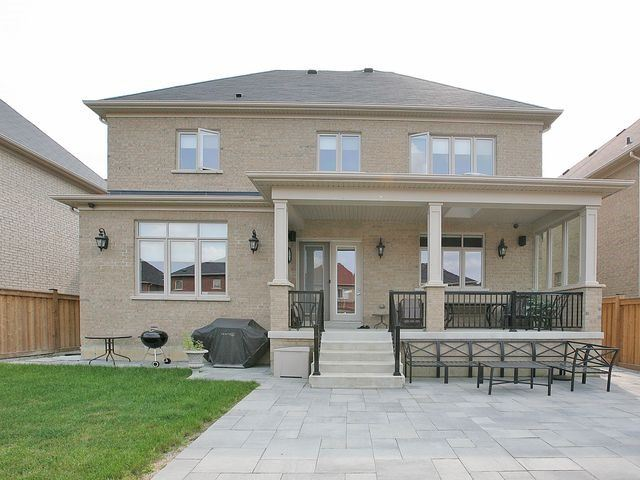 Detached at 80 Puccini Dr, Richmond Hill, Ontario. Image 4