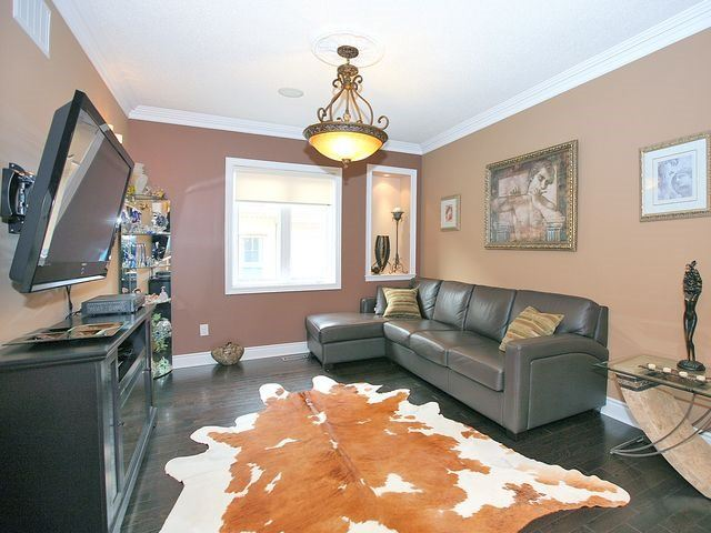 Detached at 80 Puccini Dr, Richmond Hill, Ontario. Image 5