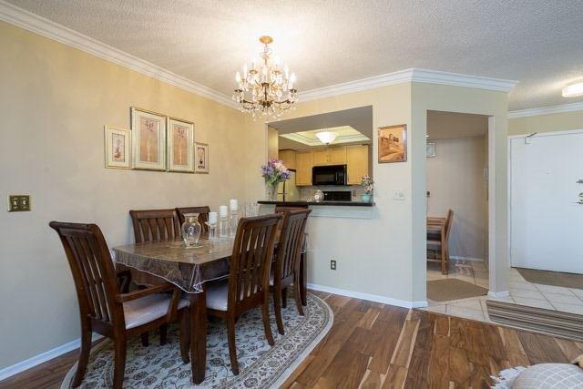 Condo Apartment at 33 Weldrick Rd E, Unit 309, Richmond Hill, Ontario. Image 17