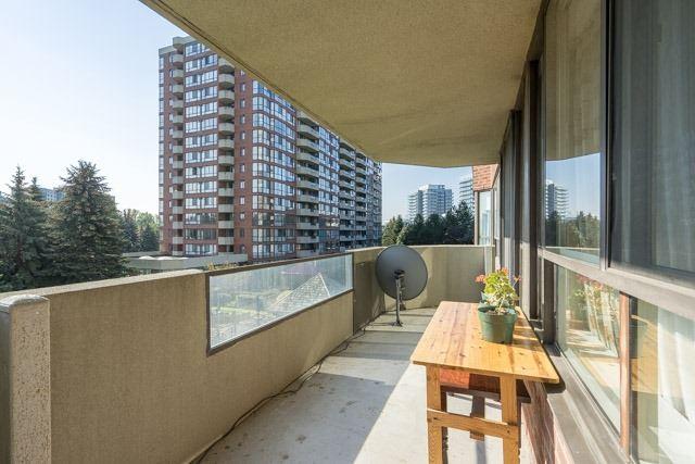 Condo Apartment at 33 Weldrick Rd E, Unit 309, Richmond Hill, Ontario. Image 7