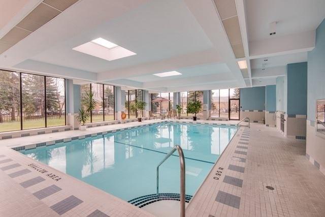 Condo Apartment at 33 Weldrick Rd E, Unit 309, Richmond Hill, Ontario. Image 8