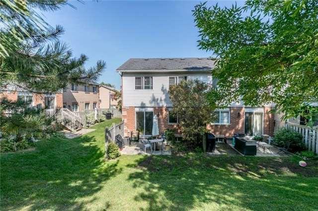 Condo Townhouse at 640 Parnham Ave, Newmarket, Ontario. Image 4