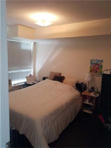 Condo Apartment at 50 Disera Dr, Unit 1102, Vaughan, Ontario. Image 7