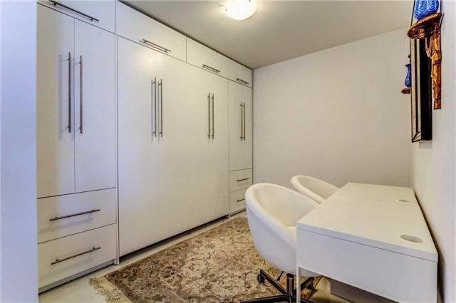 Condo Apartment at 9471 Yonge St, Unit 727, Richmond Hill, Ontario. Image 17