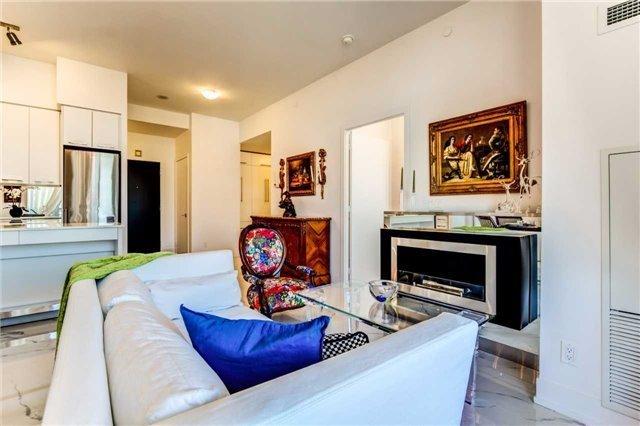 Condo Apartment at 9471 Yonge St, Unit 727, Richmond Hill, Ontario. Image 20