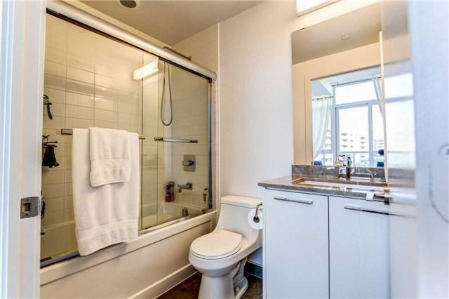 Condo Apartment at 9471 Yonge St, Unit 727, Richmond Hill, Ontario. Image 3