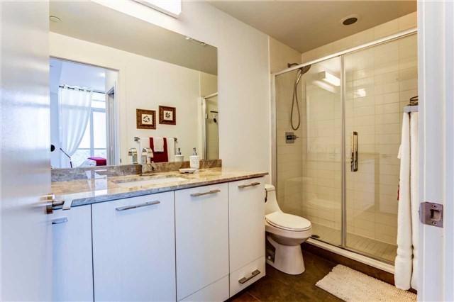 Condo Apartment at 9471 Yonge St, Unit 727, Richmond Hill, Ontario. Image 5