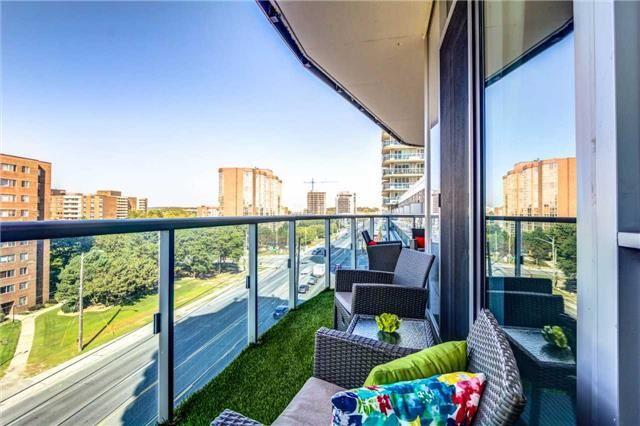 Condo Apartment at 9471 Yonge St, Unit 727, Richmond Hill, Ontario. Image 7
