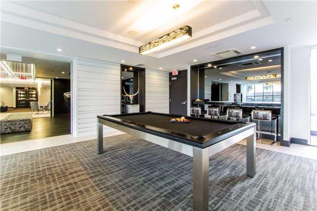 Condo Apartment at 9471 Yonge St, Unit 727, Richmond Hill, Ontario. Image 13