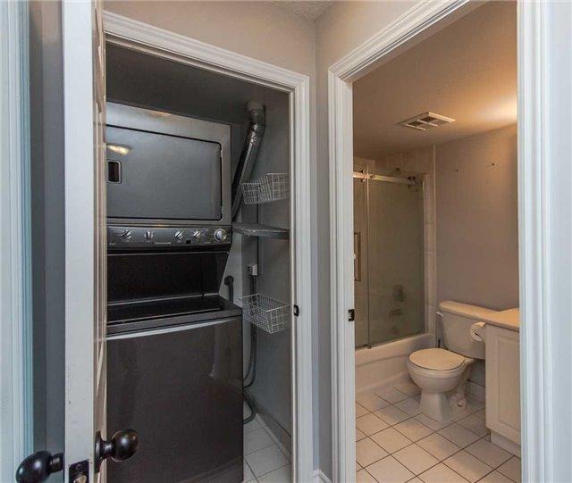 Condo at 39 Oneida Cres, Unit 1212, Richmond Hill, Ontario. Image 5