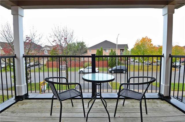 Detached at 65 English Oak Dr, Richmond Hill, Ontario. Image 5